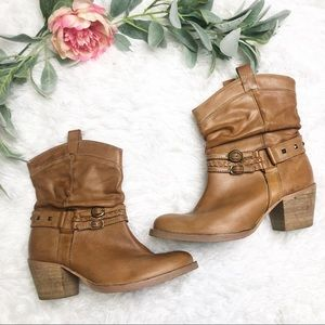 Steve Madden Western Cowboy Tan Ankle Boots